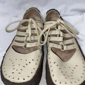 Matiko 4 strap sandal Mary Jane off white Sz 10